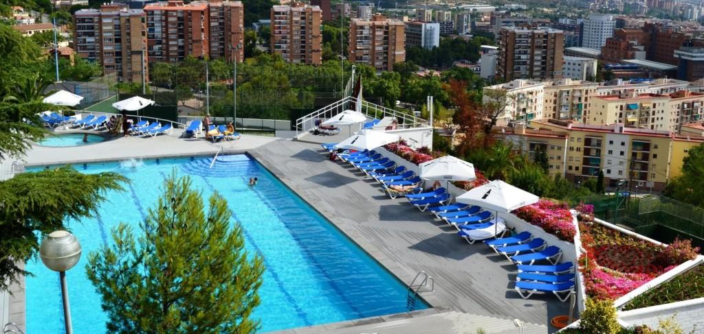 Les millors piscines descobertes de barcelona per a l for Piscina creueta del coll