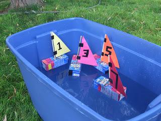 vaixells amb bricks de suc