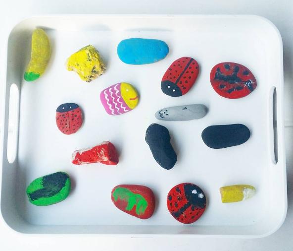 pedres pintades manualitats nens