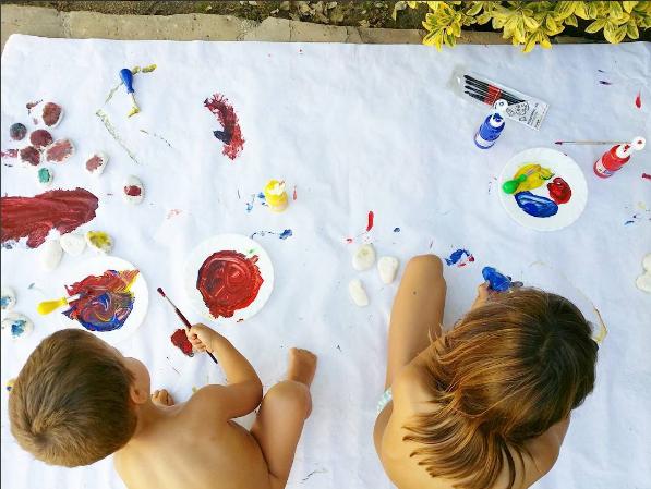 pintar mural nens