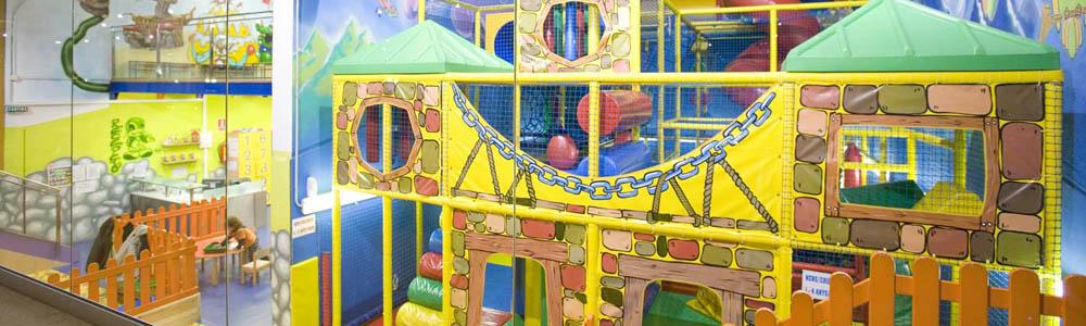 parc-infantil-chiqui-park-per-nens-a-Berga-Resort-a-la-muntanya-al-pirineu-catala-amb-bungalows-i-camping-per-families