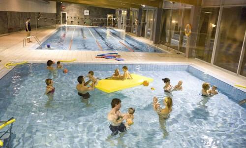 piscinas-climatizadas-cubiertas-en-el-camping-de-montana-de-Berga-Resort-con-wellness-center-con-circuito-de-aguas-y-bungalows-de-alquiler-en-el-pirineo-de-barcelona-500x300