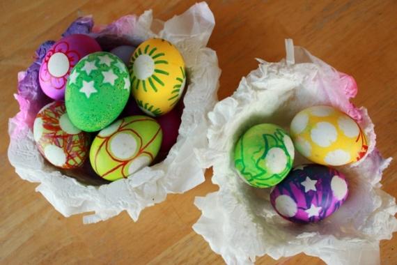 decoracio ous de pasqua amb gomets
