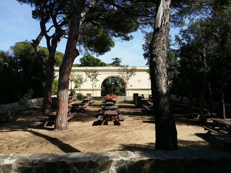 sarria petits tibidabo zona de picnic